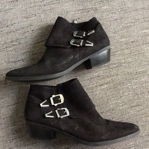Vince camuto Trapeez Black Suede buckle boots 10
